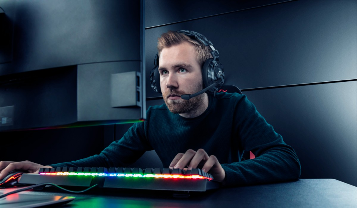Trust apresenta novos auscultadores gaming multiplataforma