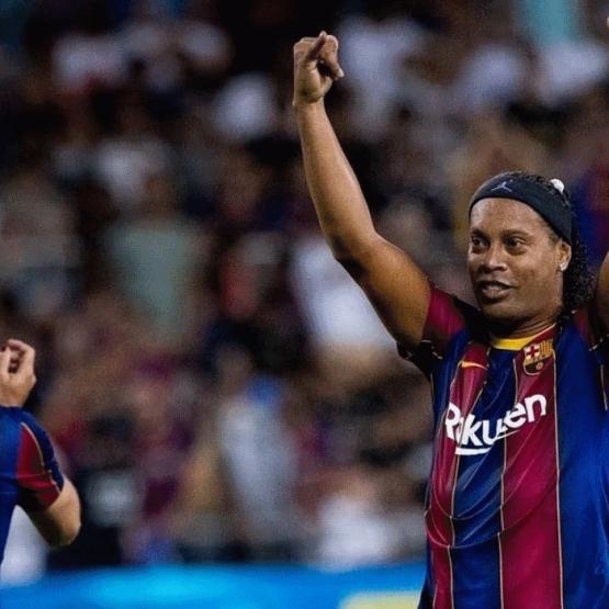 Ronaldinho Gaúcho e o show de bola aos 41 anos