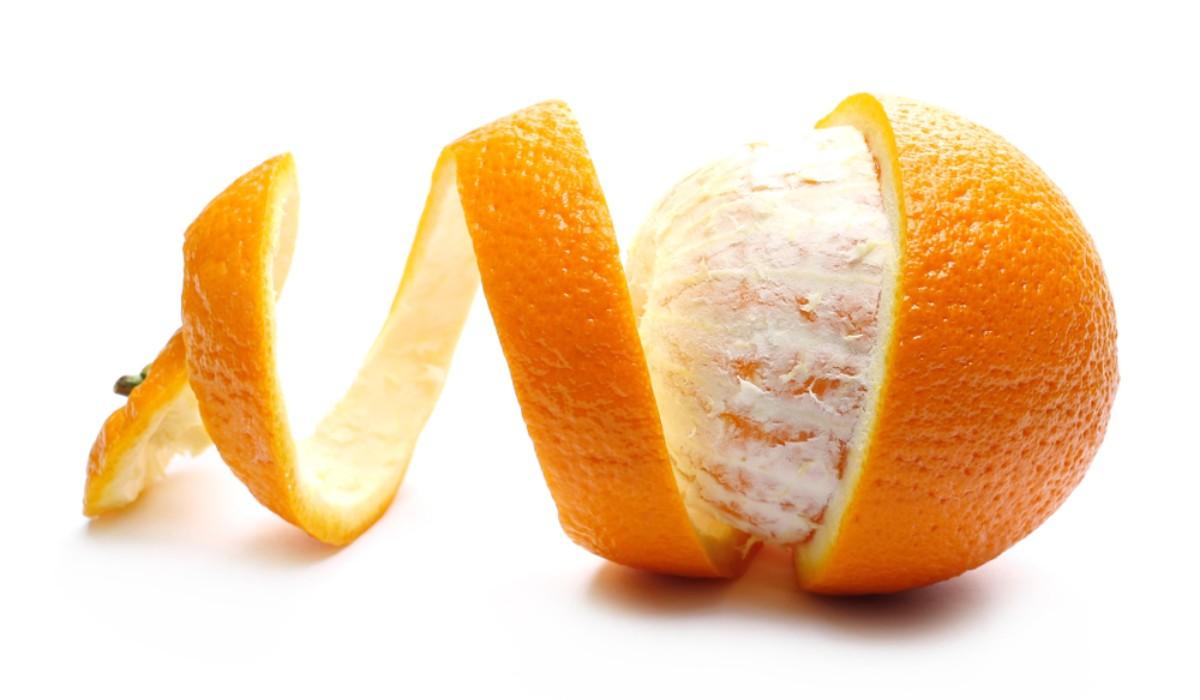 Há boas razões para não deitar fora as cascas das suas frutas favoritas