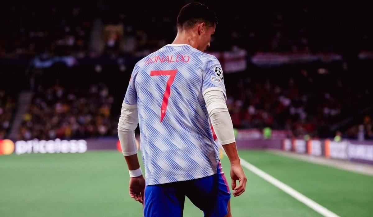 Em noite de derrota, Ronaldo apanha Casillas e Messi na Champions